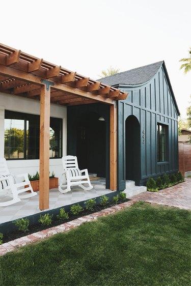 dark green farmhouse exterior color