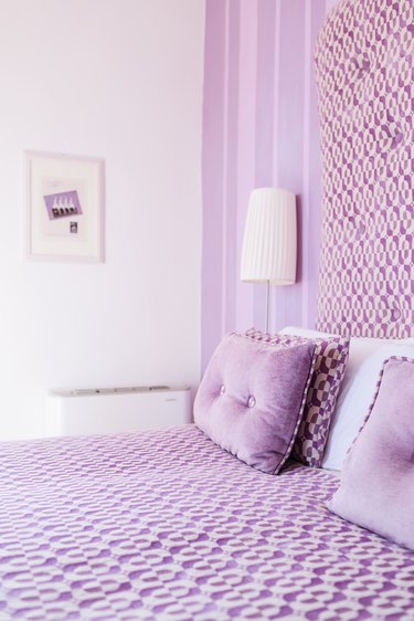 Lavender monochromatic room