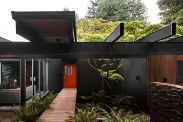 Red midcentury door Home Exterior Ideas