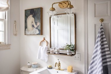 11 Traditional Bathroom Lighting Ideas That Will Never Go Out of Style