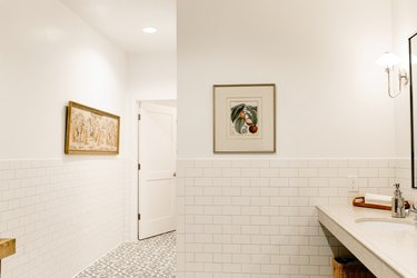 These Traditional Bathroom Backsplash Ideas Bring on the Charm