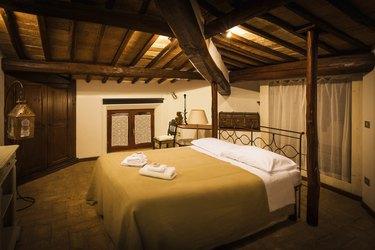 Tuscan Vintage B&B Room