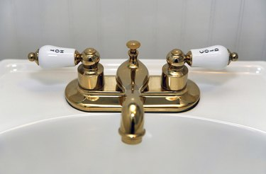 Old fashioned bathroom sink