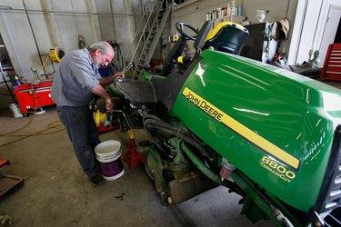 Farm Equipment Maker Deere Post 27 Percent Drop In Quarterly Profits