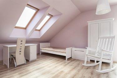 Urban apartment - girls room