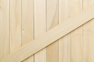 unfinished poplar wood texture