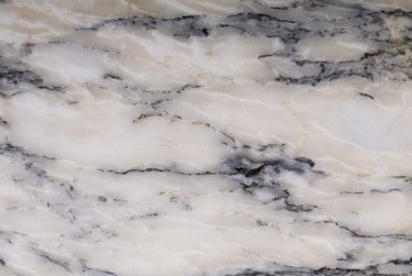 Marbled pattern in polished stone