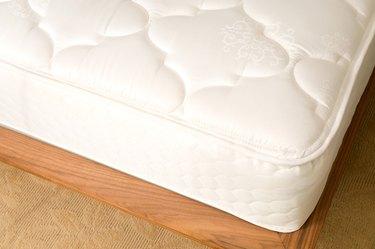 Cropped mattress