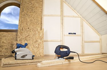 Plywood installation in home interior walls