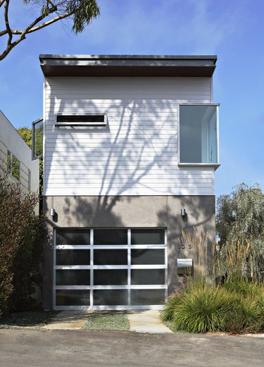This Santa Monica home is an example of Siegal's prefab style.
