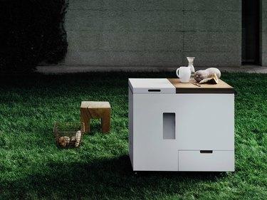 mini outdoor kitchen