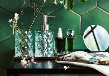 green bathroom accessories