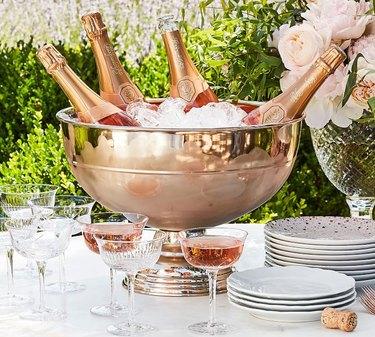 champagne holder