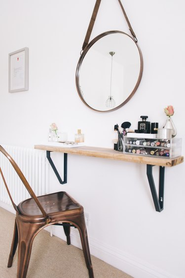 DIY mini desk vanity