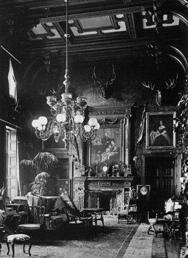 victorian parlour