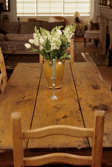Plank style dining table DIY