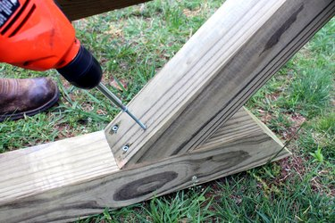 drill deck screws from 6' post into 8' post. repeat. | hammock stand DIY