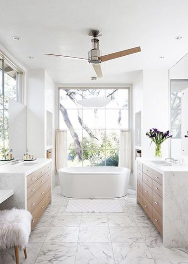 Modern bathroom with ceiling fan