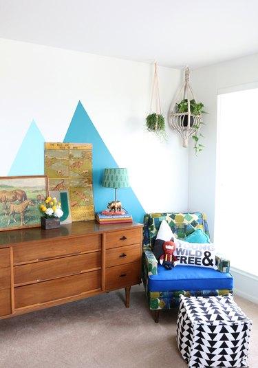 vintage dresser in kids bedroom