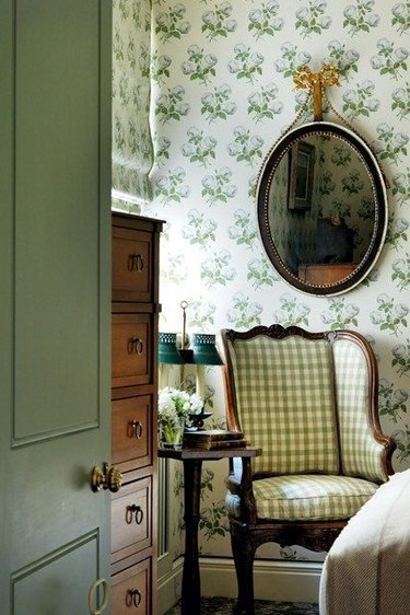Colefax and Fowler Bowood wallcovering