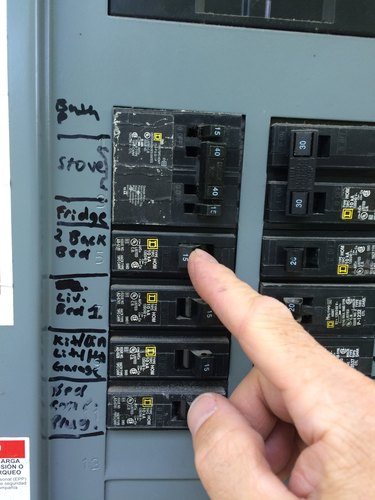 Switching off circuit breaker