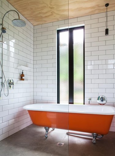 pop of color in bathroom