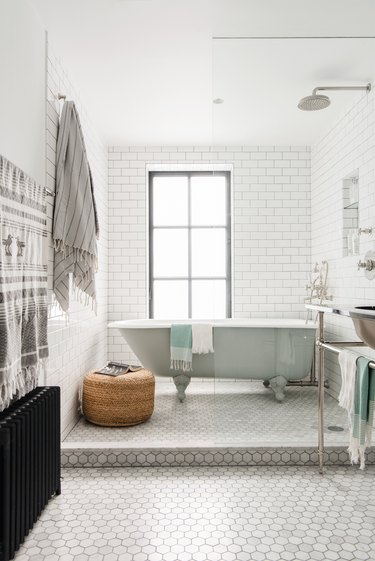10 Times Clawfoot Tubs Stole the Show (And Why You Need One ASAP)