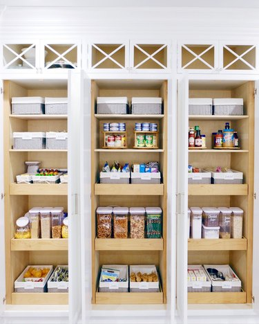 How to Organize a Pantry in Vanessa Lachey pantry