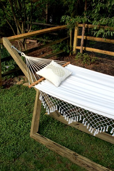 learn how to make a wood hammock stand with this picture tutorial!