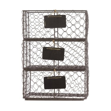 Chicken wire baskets with name tags