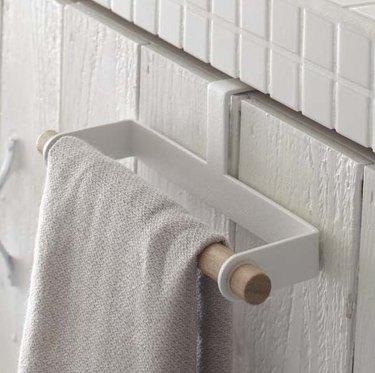 yamazako towel bar