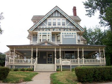 charles yates house built by architect ferdinand fiske late Victorian Stick- or Eastlake-style house