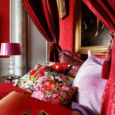 pink and red bedroom