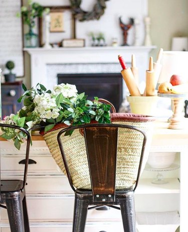 flowers french country living room