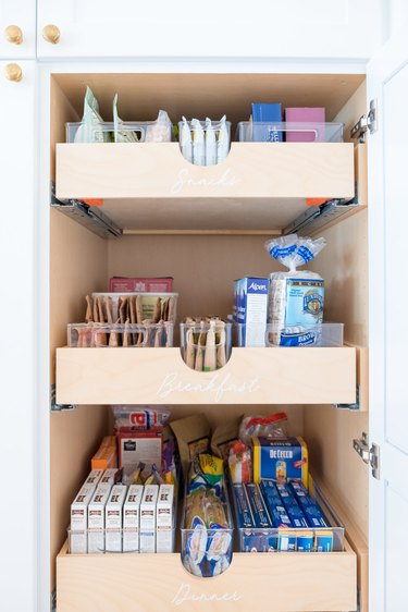 How to Organize a Pantry in Lauren Conrad pantry