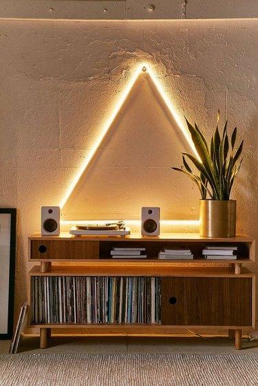 triangle decor wall light