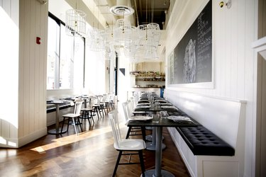 Seattle's Bateau Acts on Its Farm-to-Table Menu With a Rustic Design