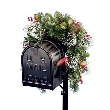 mailbox holiday swag