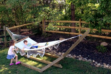 learn how to make this wood hammock stand