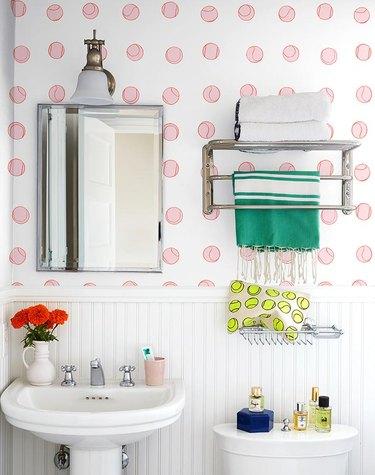 clare v wallpaper