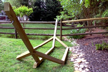 directions for how to build a backyard wood hammock base