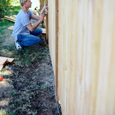 What Type of Nails Do You Use When Building a Fence?