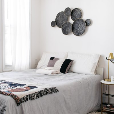 light and bright guest bedroom makeover under $300