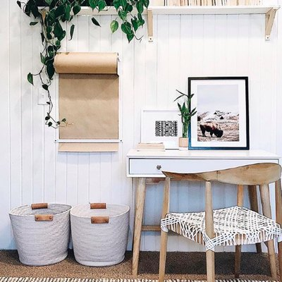 Organic Materials Elevate a Charming Office Nook