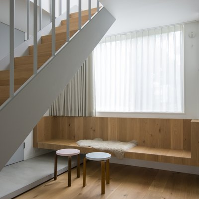 A Tokyo House Makes Linear Minimalism an Easy and Appealing Design Option