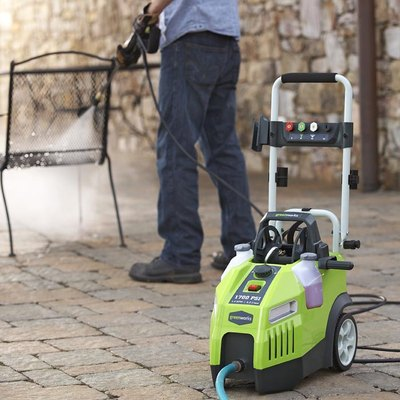 Tips for Using a Pressure Washer