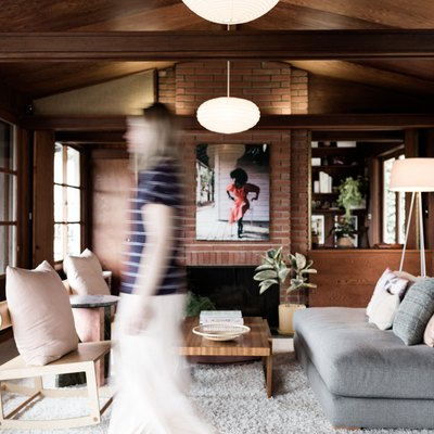 Artist Maureen Meyer Embraces the Patina of Her Midcentury Modern Home