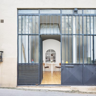 This Tiny Parisian Flat Can Transform Right Before Your Eyes