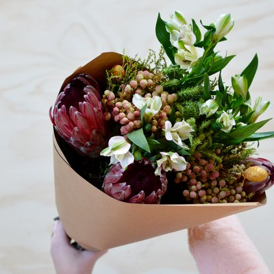 The Secret to Wrapping a Basic Bouquet so It Looks Beyond Lovely