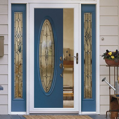 A Homeowner's Guide to Storm Doors
